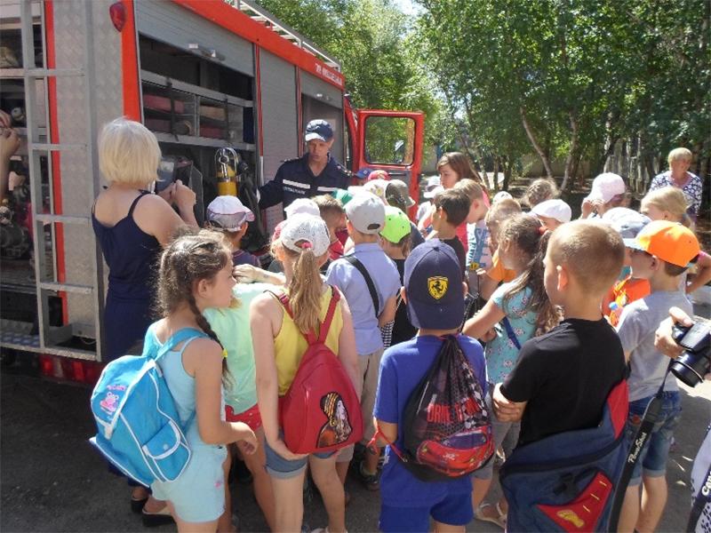 На Херсонщині рятувальники навчали дітей правилам безпеки