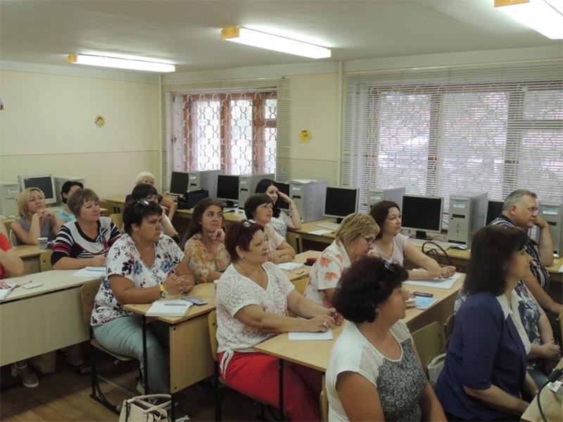 """У ХДУ  проходить триденний семінар для педагогів з """"Громадянської освіти"""""""