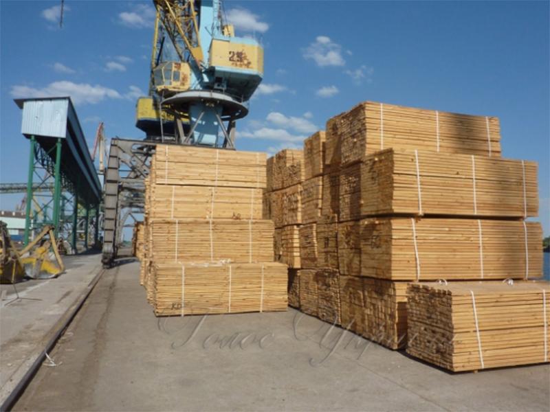 Херсонським портовикам віддають борги