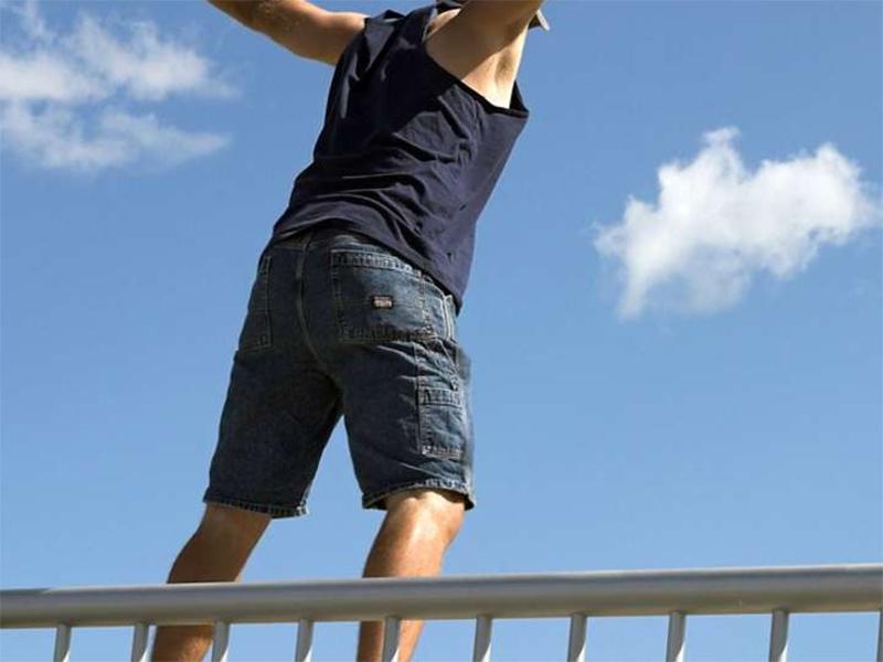 Каскадеры-любители рискуют жизнью в Херсоне