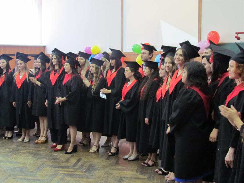 Магістрантам педфаку ХДУ вручили дипломи про освіту