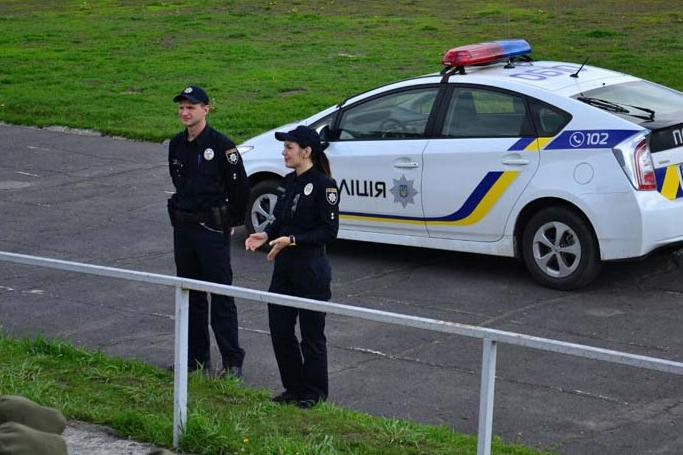 Додаткові сили поліції стягують до зон відпочинку Херсонщини