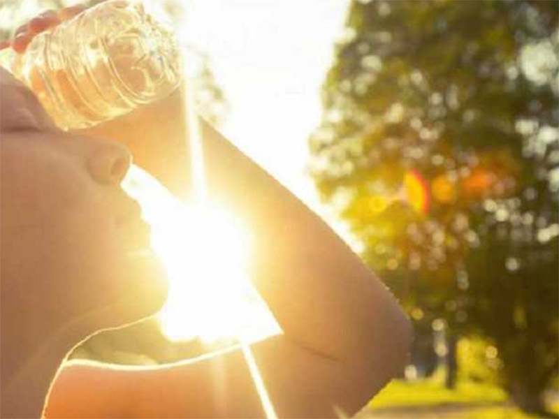 Херсонці втрачають свідомість через теплові удари