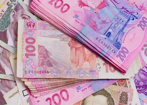 За парковку транспорту місцева казна отримала понад 700 тисяч гривень