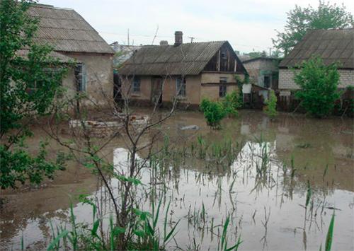 На Херсонщине ливни затопили более полутора тысяч дворов