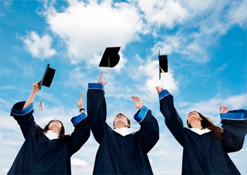 Херсонским студентам выдадут дипломы без обложек