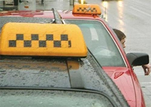 Херсонських таксистів намагаються вербувати спецслужби РФ