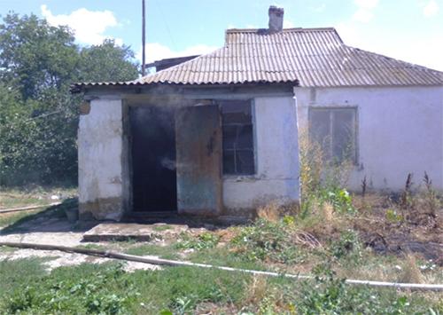 На Херсонщині власник сам підпалив свій будинок