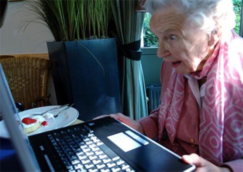 Как в кино: херсонскую пенсионерку связали и ограбили
