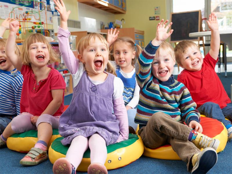 У Херсоні дитсадки порожні, а місць для малюків немає