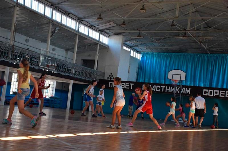 В Геническе сборы для лучших баскетболисток Херсонщины начались с психологических тестов