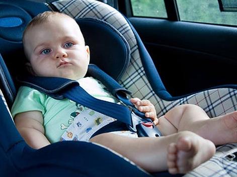 Из машины-ловушки на Херсонщине полиция достала ребенка