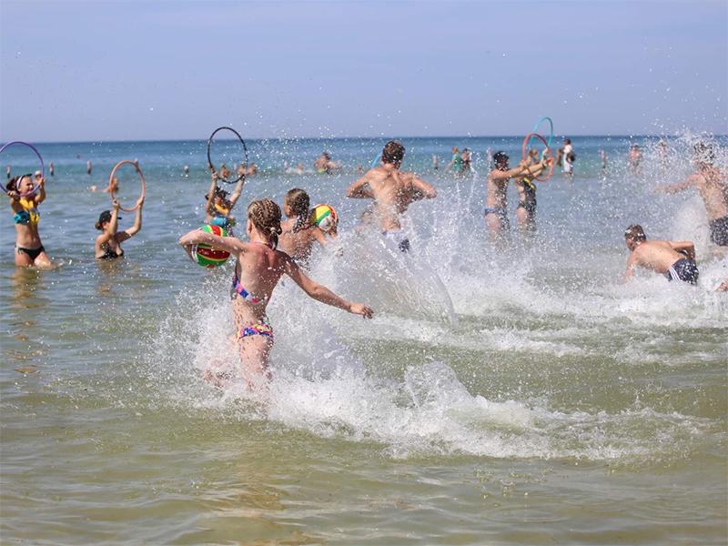 """""""Прибрежный"""" на Херсонщине собирает детей со всей Украины"""