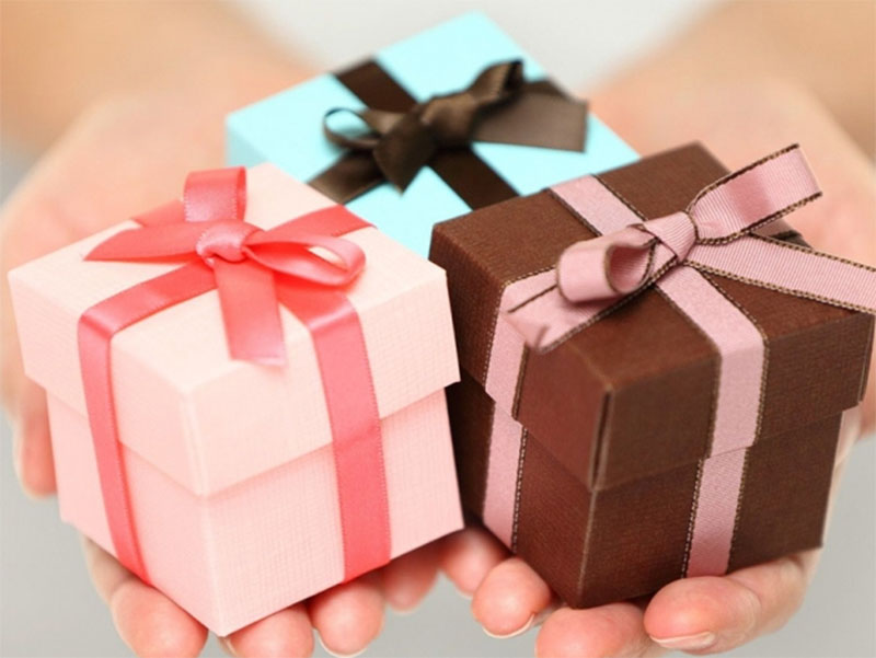 Универсальные идеи подарков подруге на день рождения
