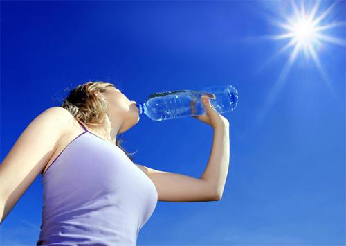 Як уникнути зневоднення організму під час спеки