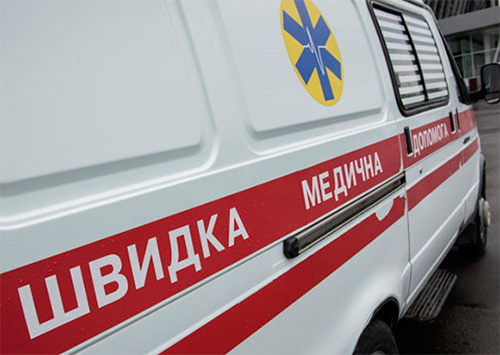 Два курортника закончили отдых в больнице Геническа