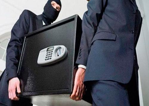 Бланки важных документов вместе с сейфом украли в Скадовске