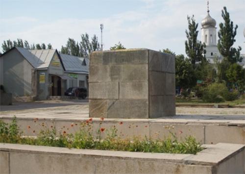 Памятником матери заменят памятник Ленину на Херсонщине