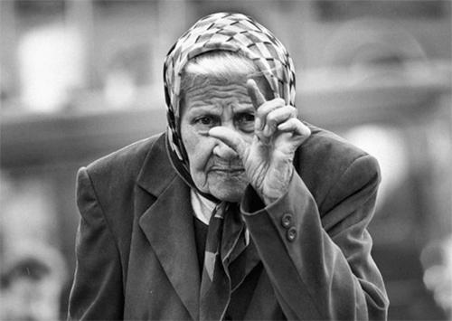 Херсонцы продолжают получать минимальные пенсии