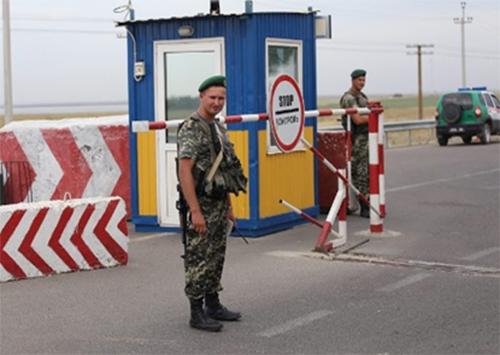 На адмінмежі Херсонщини з АР Кримом загрози немає