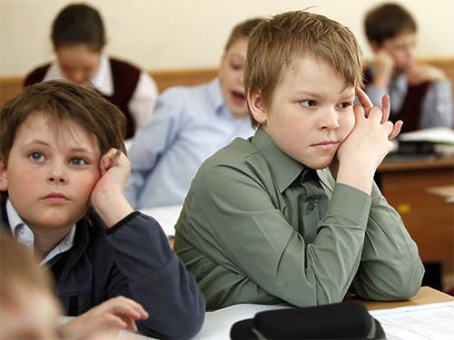 """На Херсонщині поступово відмовляються від """"російськомовних"""" шкіл"""