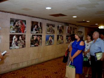 У Херсоні можна ознайомитися з примірником фотокниги «Якби не війна»
