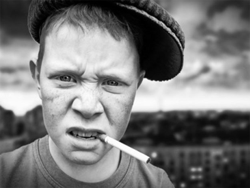 Наркотики та хмільне на Херсонщині збувають навіть підліткам