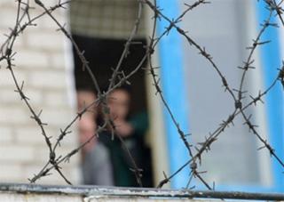 В'язням дозволили користуватися мобілками