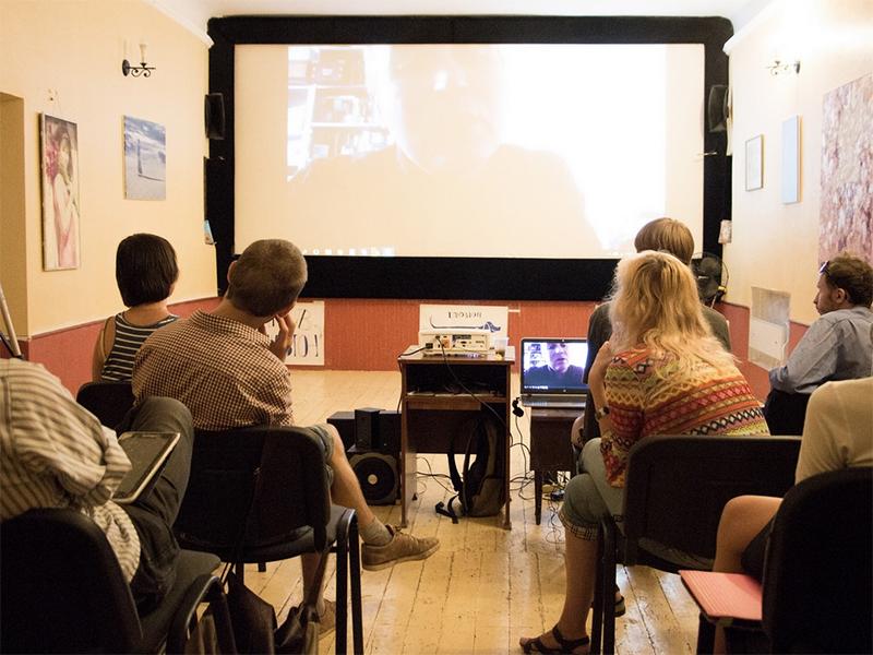 Херсонцы общались с одним из кураторов Каннского кинофестиваля