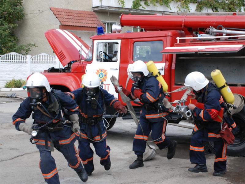 Херсонские спасатели срочно выехали на админграницу с Крымом