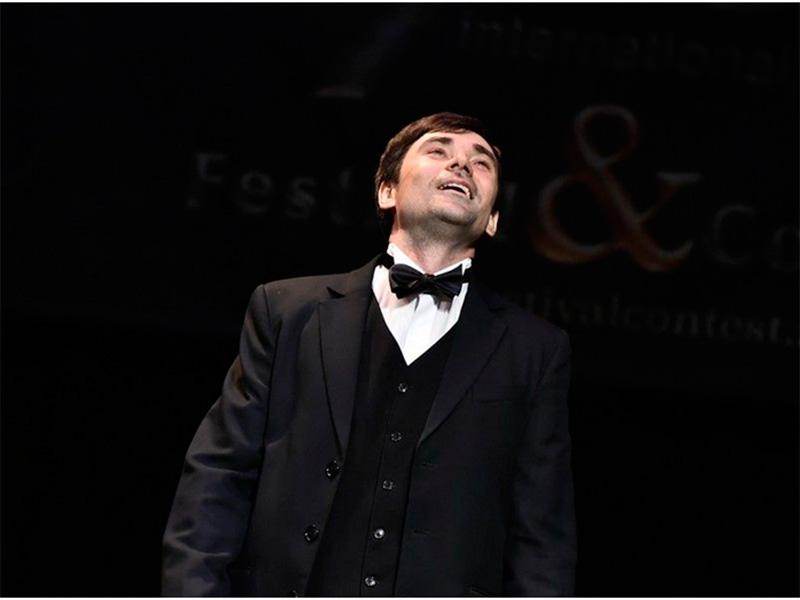 Херсонский певец победил на конкурсе в Италии