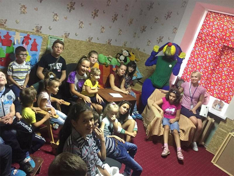 Херсонским детям передали билеты на праздник