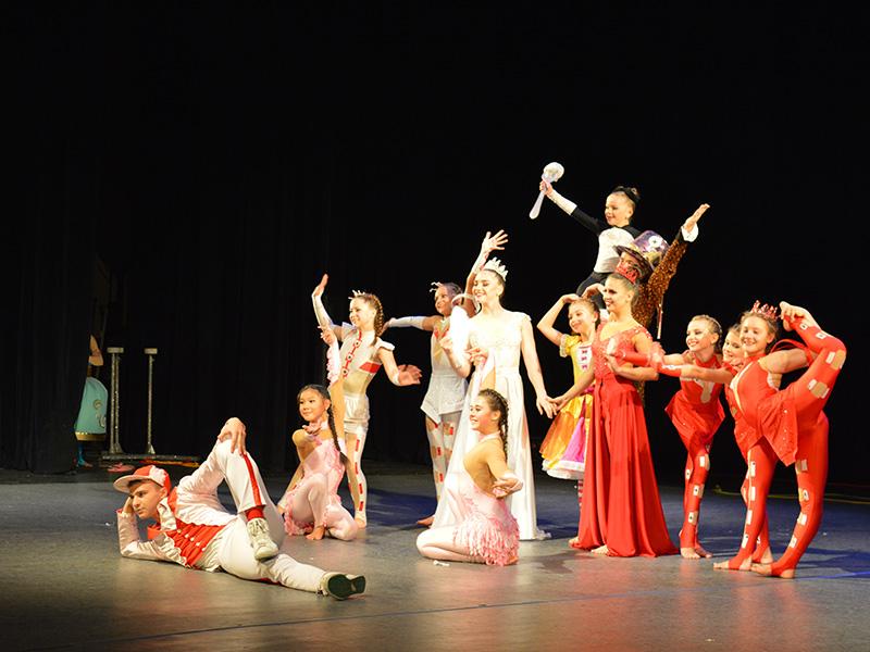 Херсонцям показали циркову виставу про чарівний пельмень