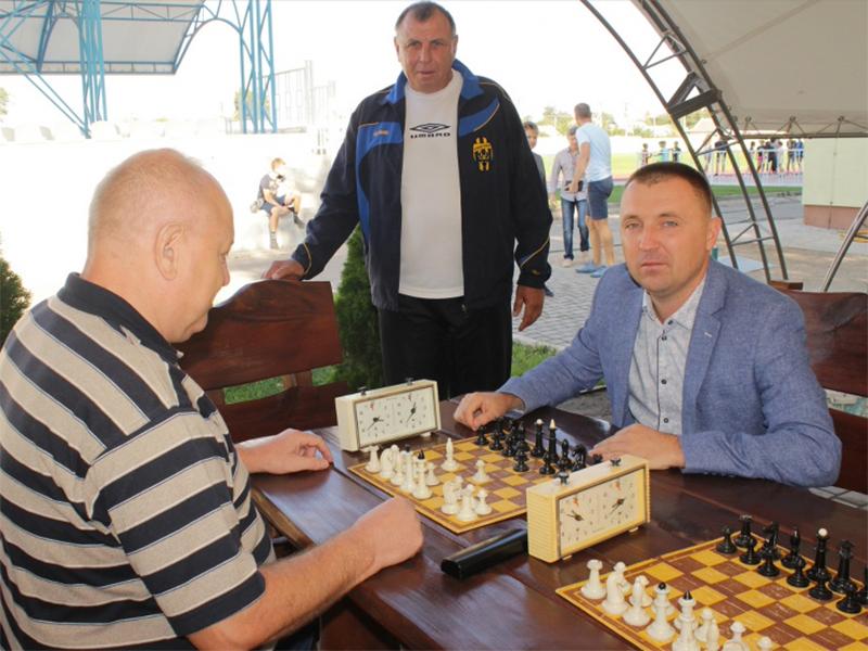 В Олешках відбулися урочисті заходи з нагоди святкування Дня фізичної культури та спорту