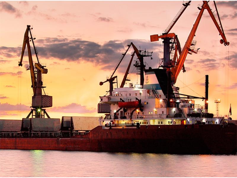 В морському порту Херсона збільшився обсяг перевалки дизельного палива