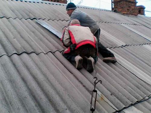 Горе-умельцы падают с крыш на Херсонщине