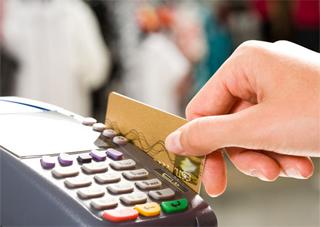 Херсонські магазини за відмову приймати картки штрафуватимуть?