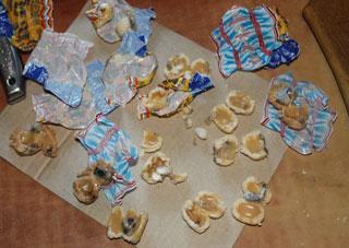 На Херсонщине заключенному колонии пытались передать конфеты с наркотиками