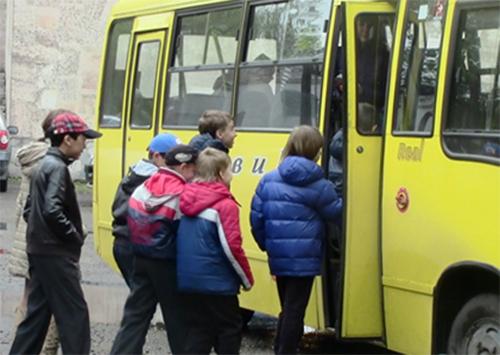 Проїзд в автобусах для школярів Херсона став дешевшим