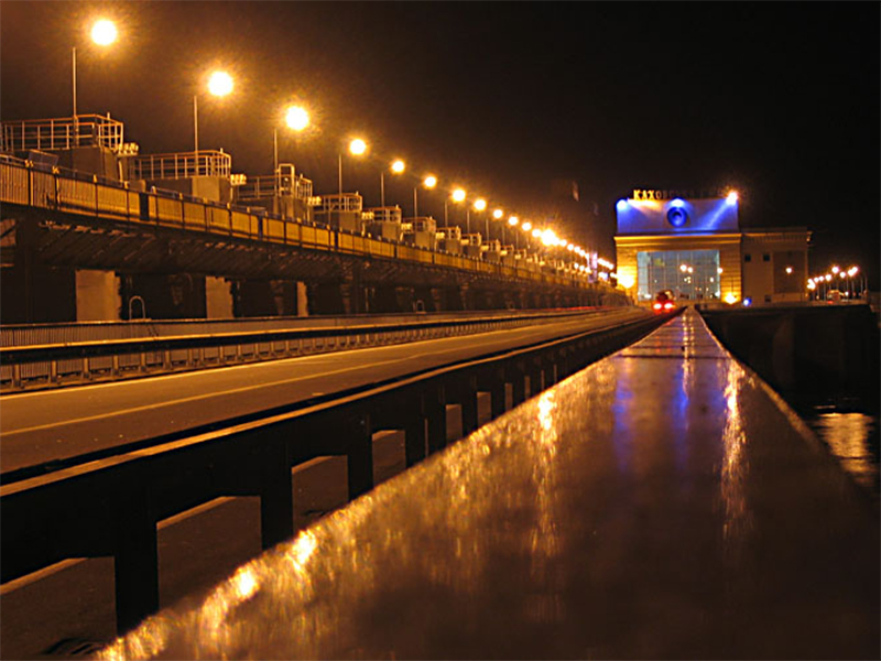 На дамбе Каховской ГЭС задержали приезжего с фотоаппаратом