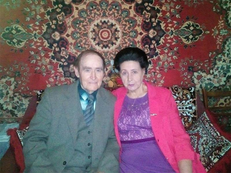 Опозиційний блок Білозерки привітав сім'ю, яку поважають у селі
