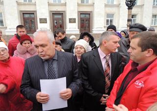 Херсонские коммунисты ознакомили Михайлова с требованиями к Януковичу