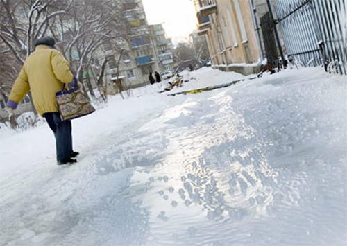 В Херсоне не могут заготовить к зиме песок и соль – на КП «Дорожник» сидят без света и денег
