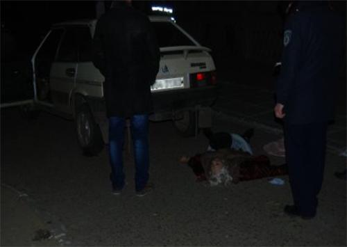 В Каховке под колесами погибла женщина