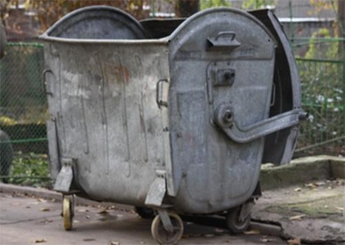 К завтрашней сессии херсонские маршрутчики готовятся принести мусорный бак?