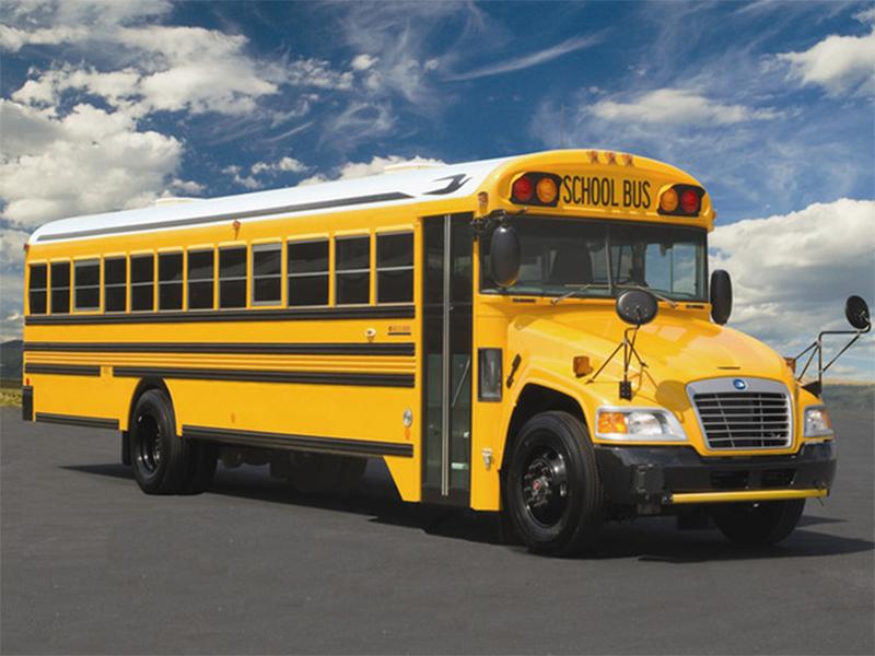 Подросток угодил под школьный автобус на Херсонщине