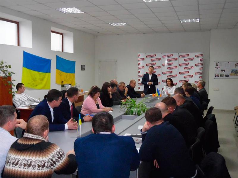 Олена Урсуленко: Представники президентської політичної сили залишаються відкритими, не бояться прозорості