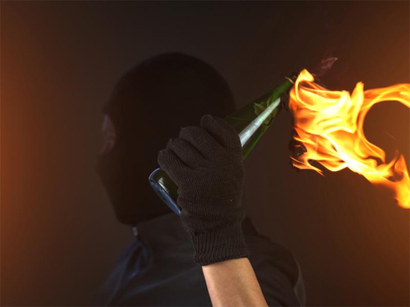 Дом мнимого соучастника убийства Гандзюк в Херсоне забросали коктейлями Молотова