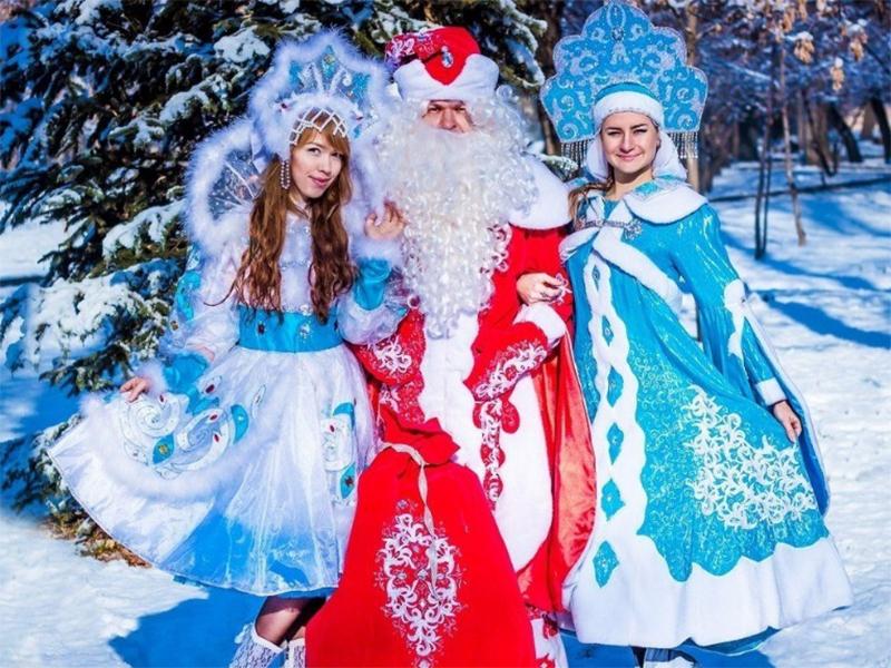 На Херсонщине Дед Мороз будет один, а Снегурочек две