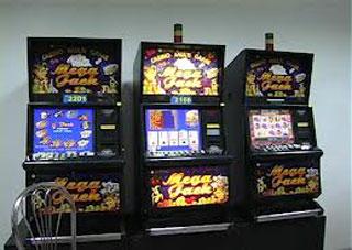 """На Херсонщине милиционеры """"накрыли"""" подпольный зал игровых автоматов"""